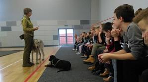 spotkanie-z-instruktorem-szkolenia-psow-wyr