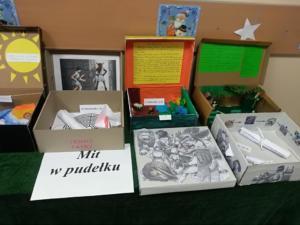"Wystawa ""Mit w pudełku"" II 2020 1"